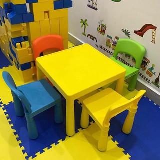 Bộ 1 bàn 2 ghế