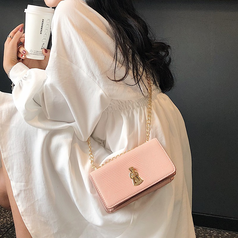 Joker new lizard small bag female 2019 new wave Korean version of the wild Messenger bag chain shoulder texture small s