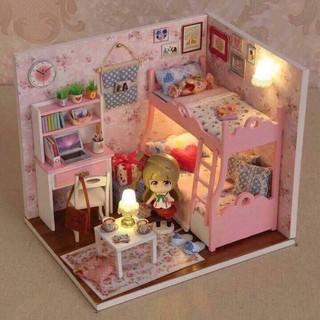mô hình nhà gỗ DIY,nhà búp bê cho bé thỏa sức vui chơi(màu hồng)