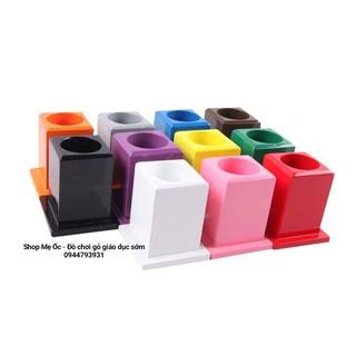 11 ống màu đựng bút ( mẫu vuông) – Giáo cụ Montessori