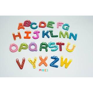 Đồ chơi gỗ giáo dục sớm – 26 chữ dính nam châm