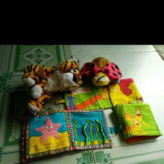 Sét đồ chơi của T. Ngan Nguyễn