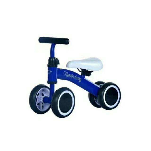 Xe choi chân, xe cân bằng cho bé 1 – 3 tuổi