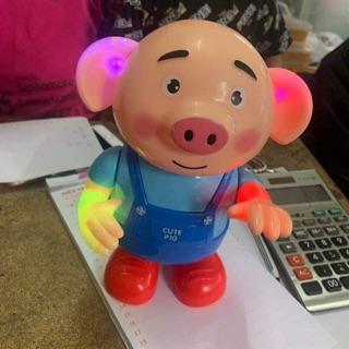 Chú lợn biết hát biết nhảy múa sôi động