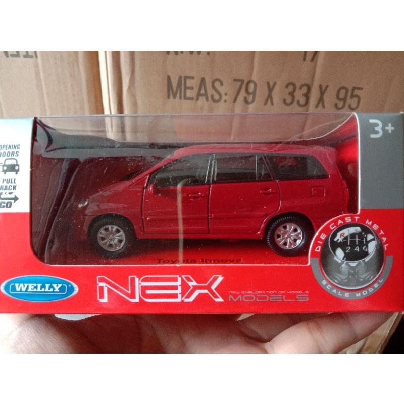 WELLY Mô Hình Xe Đồ Chơi Toyota Kijang Innova