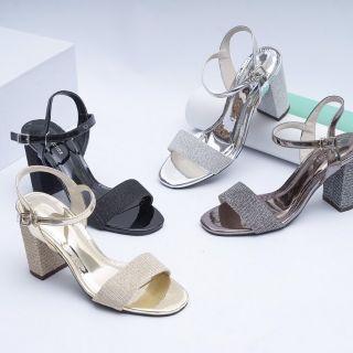 Sandal gót trụ 7cm hàng vnxk. thiết kế quai cá tính và chắc chắn với sợi kim tuyến đẹp. Đế trụ 7cm nâng niu đôi bàn chân