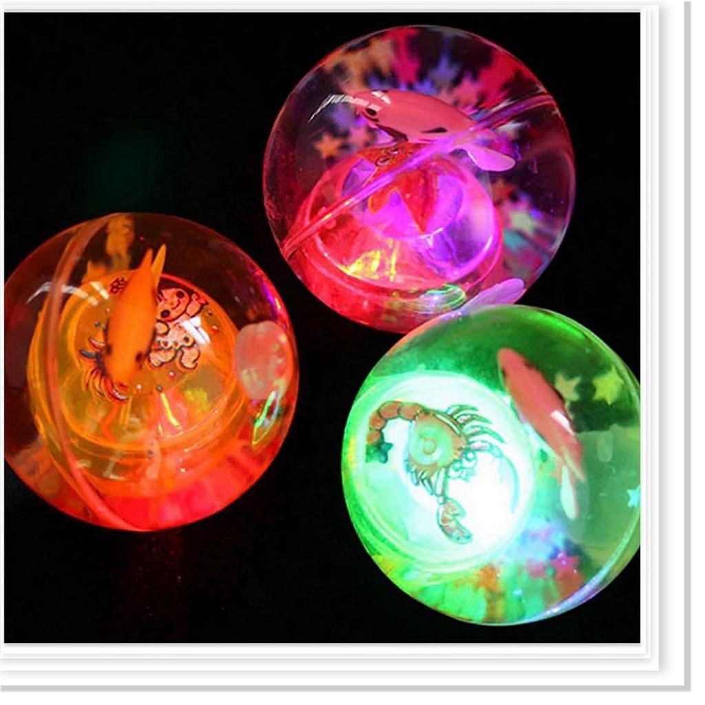 Quả bóng phát sáng - Quả bóng trong suốt có đèn và con cá đồ chơi cho bé cực đẹp...