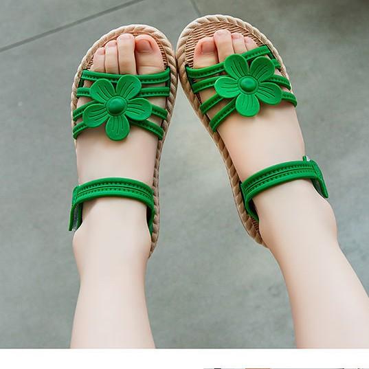 Sandal hoa, dép quai hậu siêu dễ thương cho bé gái đi học