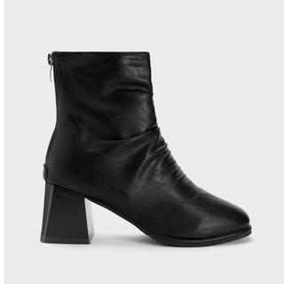 Giày Bốt Nữ Boot Da Nhăn Gót Vuông 5Phân HAPAS - BOT540