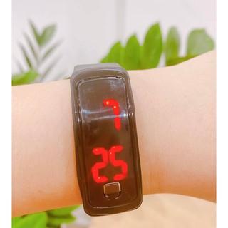 Đồng hồ điện tử thể thao dành cho trẻ em