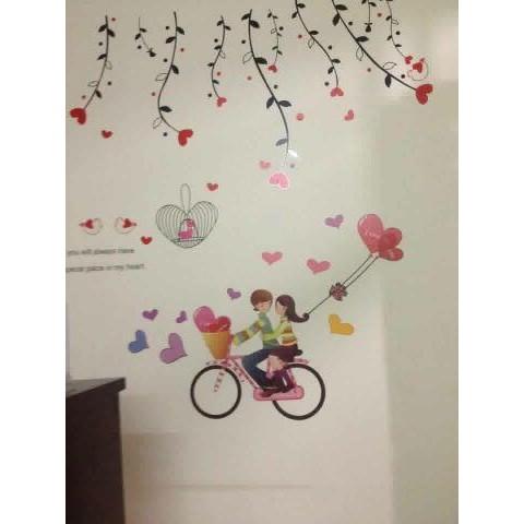 Decal dán tường trái tim rủ kết hợp xe đạp teen