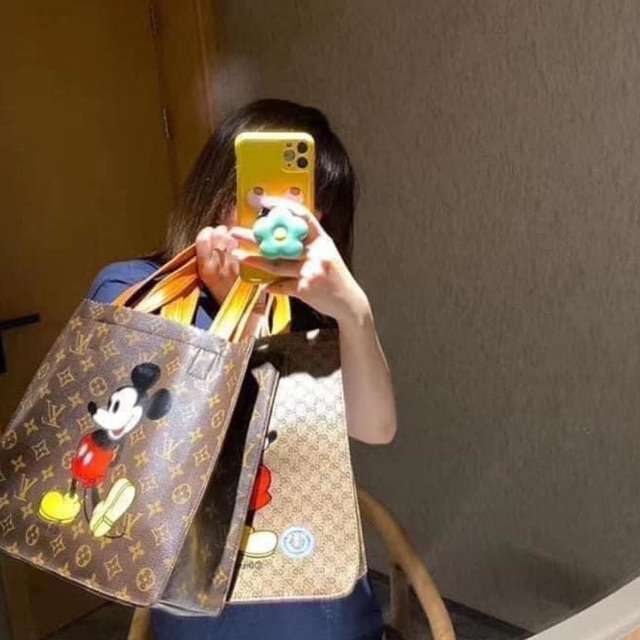 Túi da mềm hình chuột hot hit