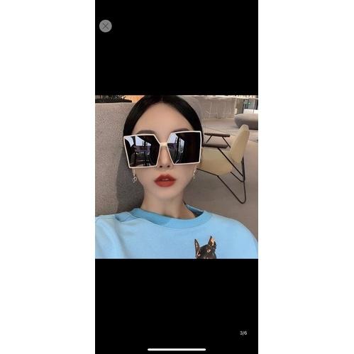 kính mát hot girl hot 2021