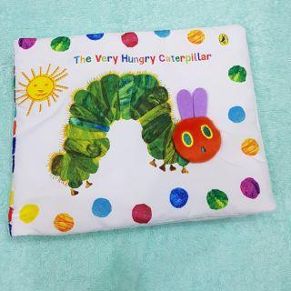 Đồ chơi sách vải sự ra đời của sâu bướm