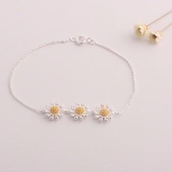 Vòng tay bạc 3 hoa cúc cao cấp Hàn Quốc - 2727753 , 120834066 , 322_120834066 , 140000 , Vong-tay-bac-3-hoa-cuc-cao-cap-Han-Quoc-322_120834066 , shopee.vn , Vòng tay bạc 3 hoa cúc cao cấp Hàn Quốc