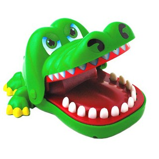Khám răng cá sấu – Crocodile Attack