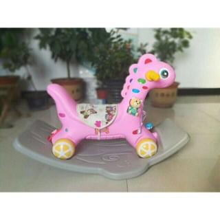 Ngựa bập bênh 2 in 1 kèm bánh xe cho bé có nhạc và đèn