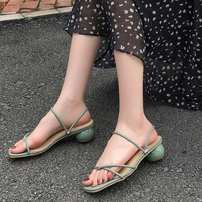 2019 summer new Korean version of ulzzang net red two wear sandals fashion wild fairy wind thick with slippers women
