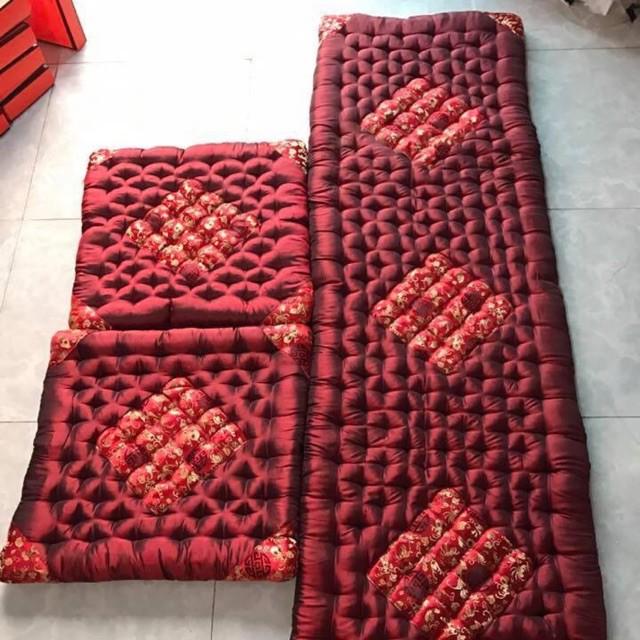 h31. Bộ đệm ghế gấm đỏ cao cấp Nội thất phòng khách