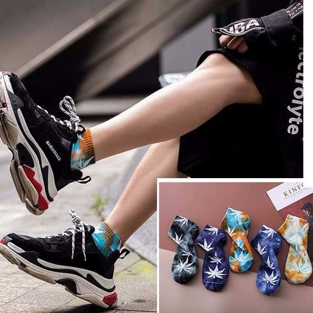 ☃☊Tie-dye maple leaf stockings male European and American street basketball hip-hop popular logo skateboard high help s