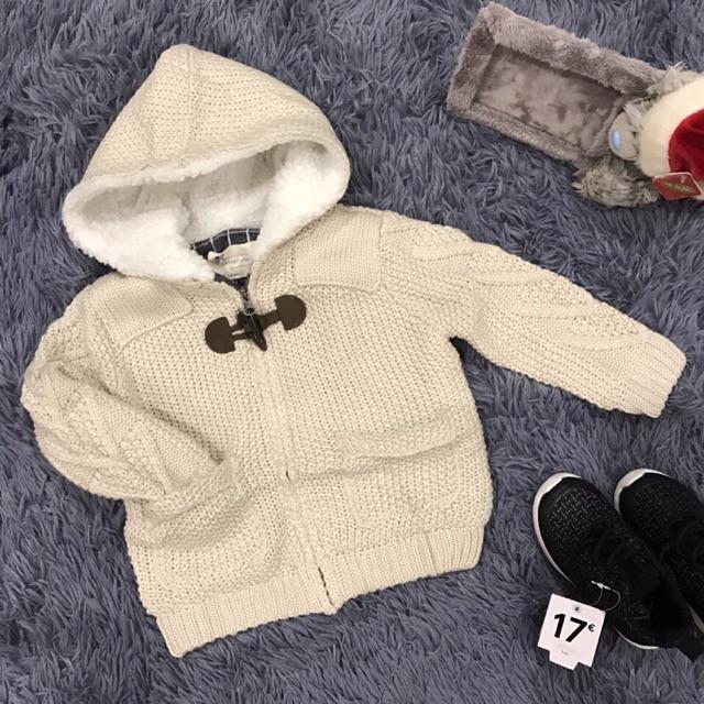 Áo khoác len xuất dư xịn cho bé trai, mũ lót lông cừu rất ấm, bên trong áo lót kẻ trông rất tây ah. - 2497006 , 739944596 , 322_739944596 , 235000 , Ao-khoac-len-xuat-du-xin-cho-be-trai-mu-lot-long-cuu-rat-am-ben-trong-ao-lot-ke-trong-rat-tay-ah.-322_739944596 , shopee.vn , Áo khoác len xuất dư xịn cho bé trai, mũ lót lông cừu rất ấm, bên trong áo ló