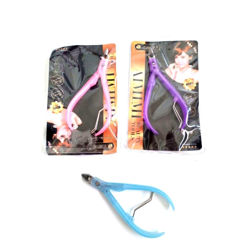 Kềm màu - thích hợp mang đi làm nail, giá cả mềm, lại có màu sắc khác biệt, đi làm nail ko bị nhầm với khách khác