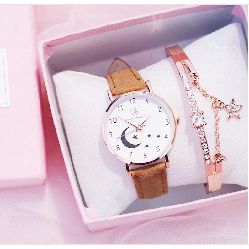 Đồng hồ thời trang nữ Fashion Watch W3 dây da lộn mặt trăng sao