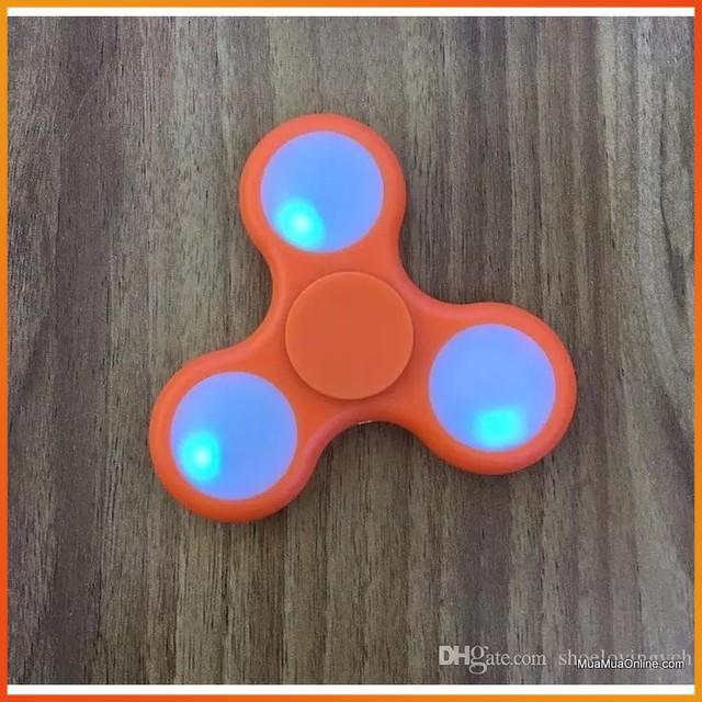 [HÀNG THẬT] - Con quay có đèn led 7 màu Spinner Fidget - Con Quay Giúp Xả Stress