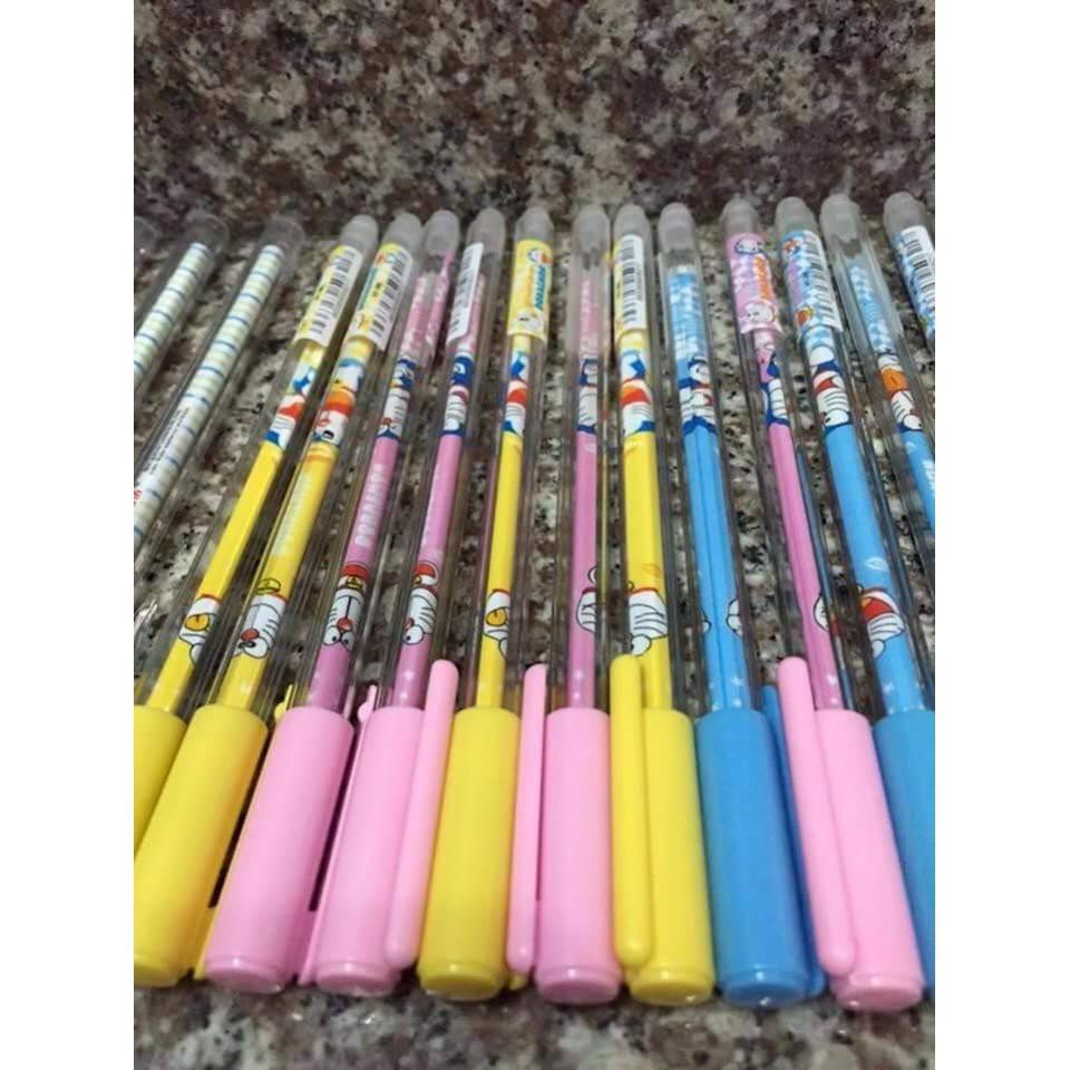 Bộ bút bi 12 chiếc/hộp tẩy xóa được sau khi viết hiệu Doraemon ngộ nghĩnh V114 - 13831351 , 2128014072 , 322_2128014072 , 130000 , Bo-but-bi-12-chiec-hop-tay-xoa-duoc-sau-khi-viet-hieu-Doraemon-ngo-nghinh-V114-322_2128014072 , shopee.vn , Bộ bút bi 12 chiếc/hộp tẩy xóa được sau khi viết hiệu Doraemon ngộ nghĩnh V114