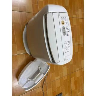 Máy hút ẩm kiêm sấy quần áo PANASONIC F-YZJ60