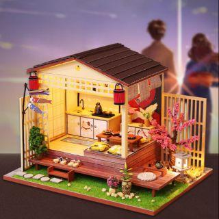 Kèm Mica – Mô hình nhà gỗ búp bê Dollhouse DIY – J011 Sakura House
