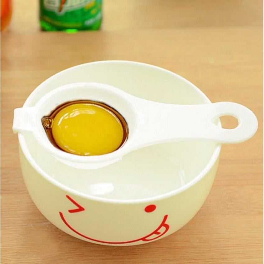 Dụng cụ tách lòng đỏ trứng tiện dụng