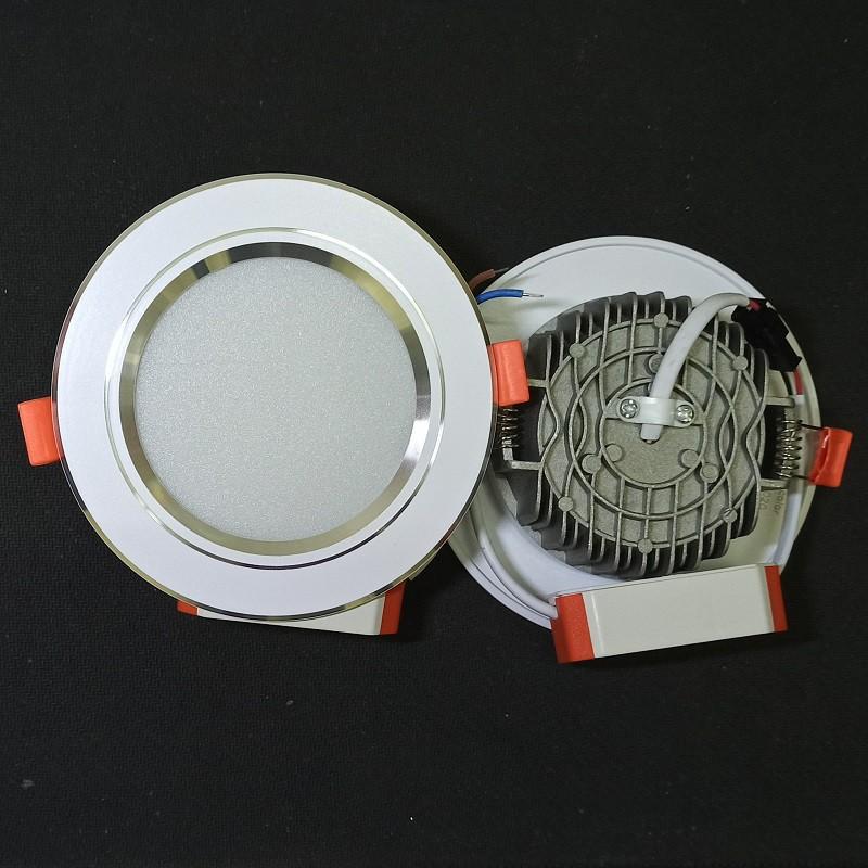 Đèn âm trần 7W viền bạc phi 90 3 chế dộ màu