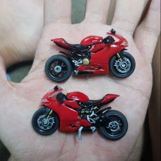 Xe Ducati 1299 custom tomica , hotwheels size.