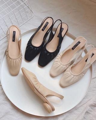 Sandal nữ bít mũi quai chun gót tròn 4 phân [full box]