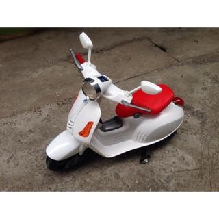 Xe máy vespa trẻ em 9998