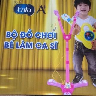 Bộ đồ chơi bé làm ca sĩ