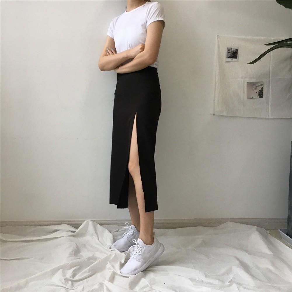 Chân váy xẻ đùi