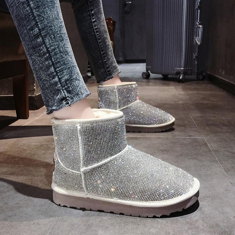 【จัดส่งฟรี】ะหยี่หนาแบนลื่น rhinestone สบาย ๆ อบอุ่นแฟชั่นเกาหลีผู้หญิงรองเท้าสั้น