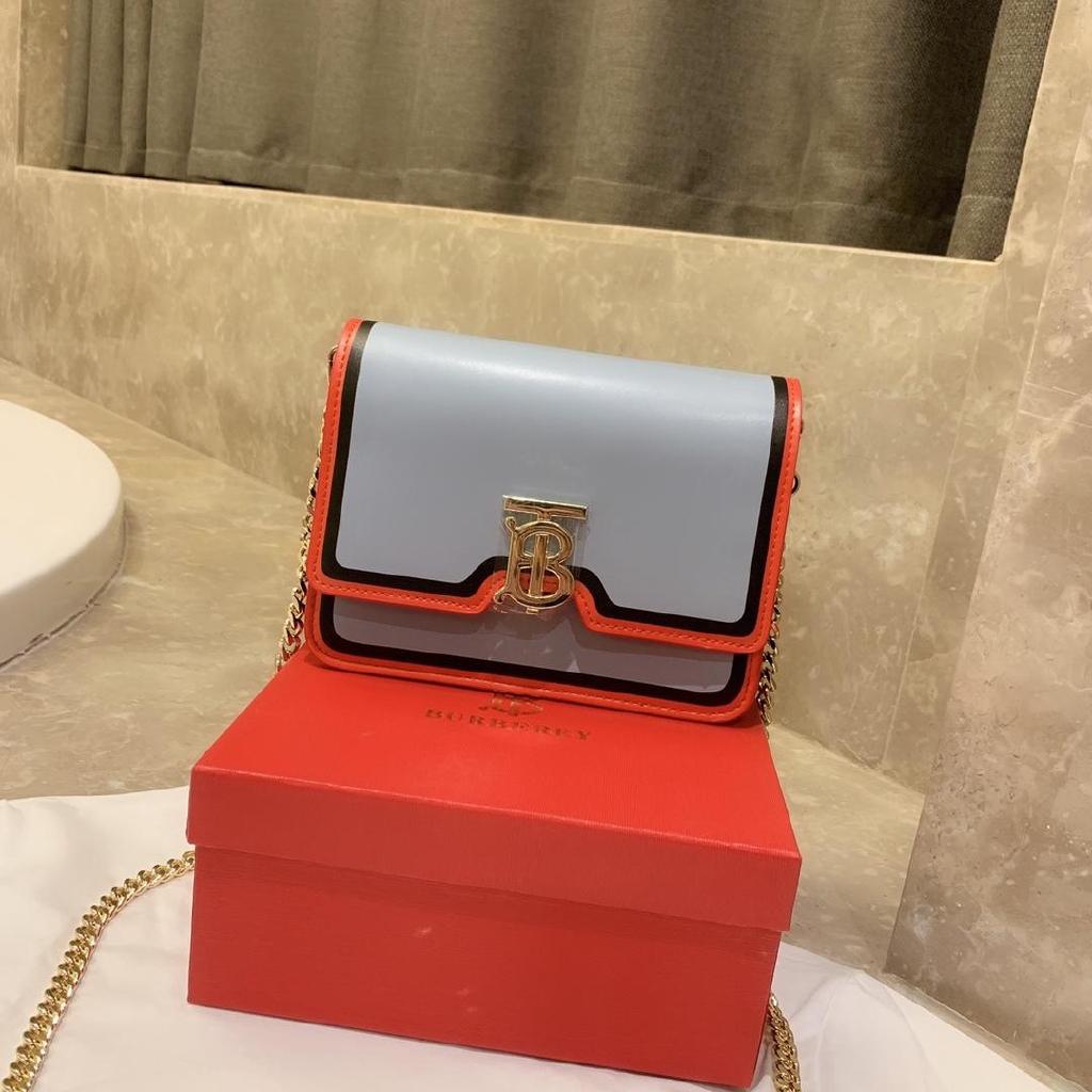 [กระเป๋าสตางค์ TB ส่งหมวกพิเศษ] กระเป๋าสตางค์สีขาว Tory Burch รับประกันของแท้ขนาด 19 ซม. -16 ซม. -6 ซม