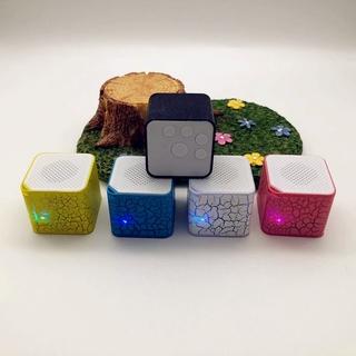 Loa Bluetooth Hình Khối Vuông Nhiều Màu Có Đèn Led Phát Sáng Mp3