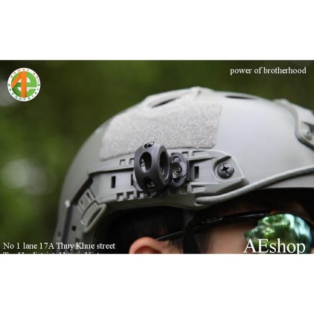 Giá gài đèn pin giá gắn đèn pin lên mũ bảo hiểm