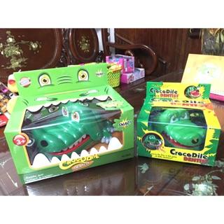 Khám răng cá sấu lớn