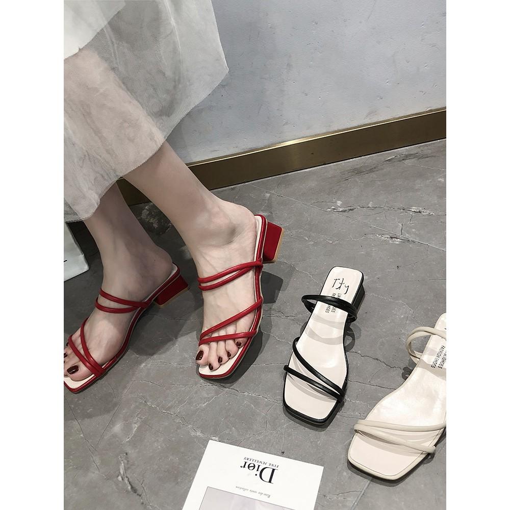 【จัดส่งฟรี】่นเกาหลีใหม่ของรองเท้าแตะสองนักเรียนสวมใส่ป่าหนากับรองเท้าส้นสูงนางฟ้า