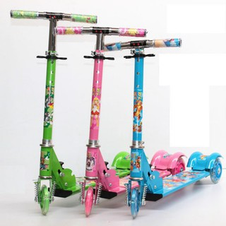 Xe scooter 3 bánh có led