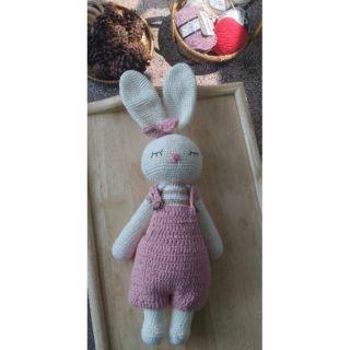 Thỏ len ngủ mặc yêm hồng size 45cm – thỏ len xinh xắn