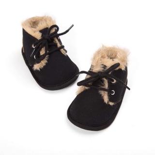 Giày tập đi da lộn màu đen
