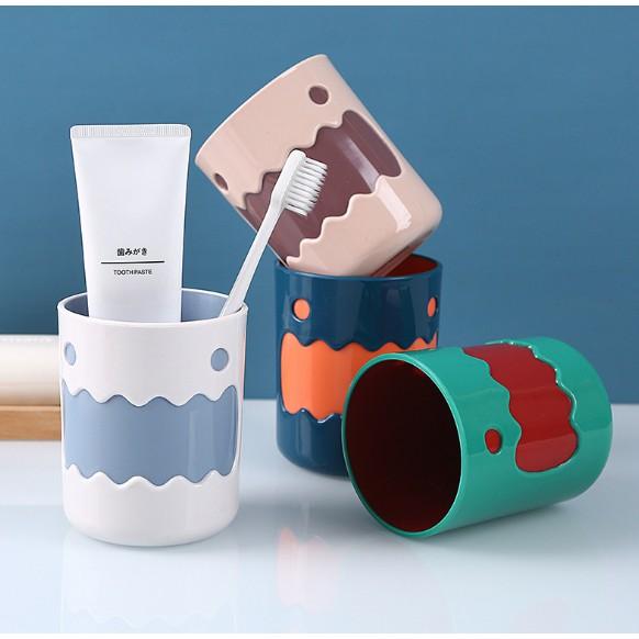 Cốc Nhựa Đựng Bàn Chải Đánh Răng hình dễ thương