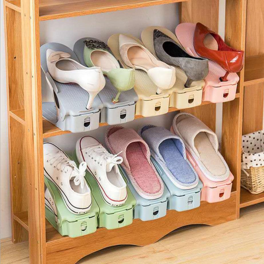 Kệ để giày dép 2 tầng thông minh, gọn nhẹ giúp tiết kiệm không gian tủ giày. Nhựa cao cấp bền, nhẹ