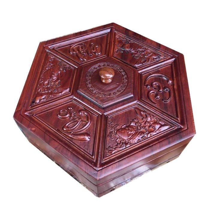 Hộp đựng mứt kẹo tết bằng gỗ hương trầm cao cấp (Làm quà tặng rất độc đáo) - 9979948 , 840219435 , 322_840219435 , 1250000 , Hop-dung-mut-keo-tet-bang-go-huong-tram-cao-cap-Lam-qua-tang-rat-doc-dao-322_840219435 , shopee.vn , Hộp đựng mứt kẹo tết bằng gỗ hương trầm cao cấp (Làm quà tặng rất độc đáo)